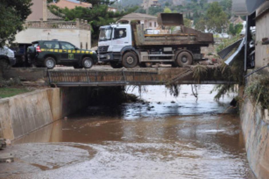 Bei der Flutkatastrophe auf Mallorca kamen bisher zwölf Personen ums Leben. Ein achtjähriger Bub wird noch vermisst.