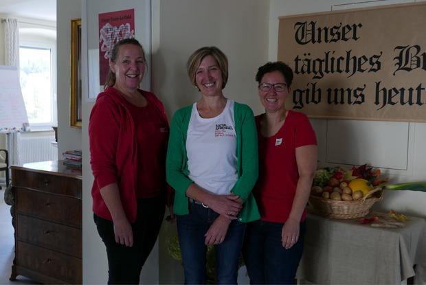 Ruth Widemair, Martha Theurl und Katrin Ortner (v.l.) betreuen die Sprengelstube in Abfaltersbach.