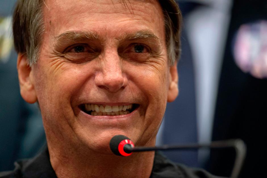 Brasilianischer-Rechtsau-en-Bolsonaro-laut-Umfrage-vorn