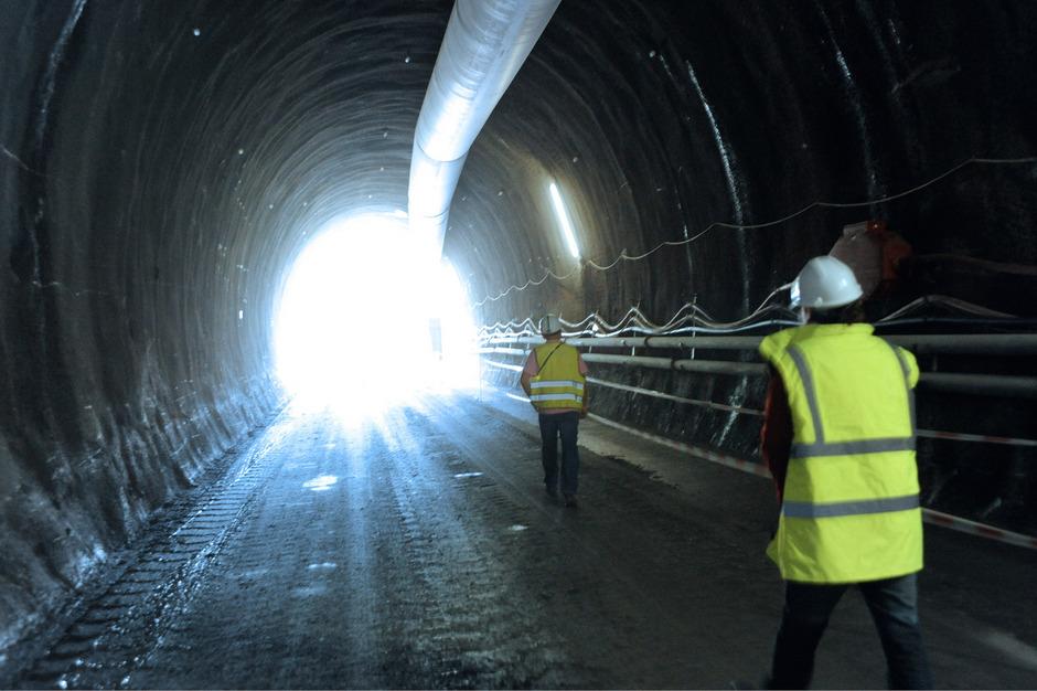 Licht am Ende des Tunnels? Bei der geplanten Brenner-Zulaufstrecke in Bayern noch lange nicht.