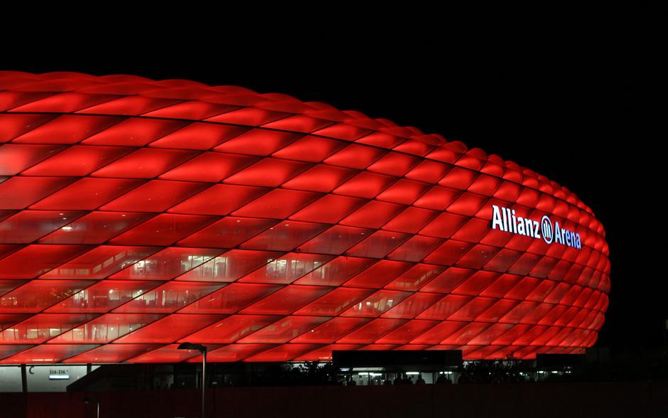 Beleuchtung München | Zumtobel Stattet Allianz Arena In Munchen Mit Neuer Beleuchtung Aus