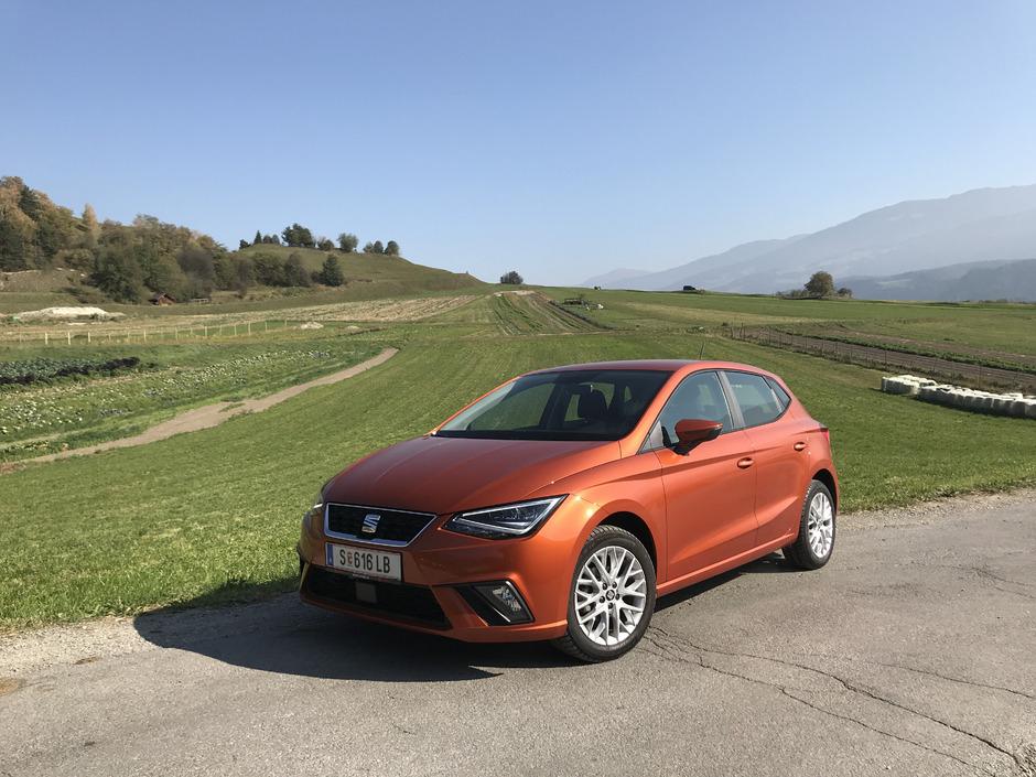 Scharfe Linien, knackige Proportionen, kurze Überhänge – so schnittig kann ein Kleinwagen auftreten. Die Maße des neuen Ibiza entsprechen aber ohnehin schon denen früherer Kompaktwagen.