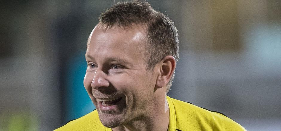 """Einem Peter wurde der """"Schwarze Peter"""" zugeschoben: Schiedsrichter Peter Schörkhuber stand nach dem Derby in der Kritik."""
