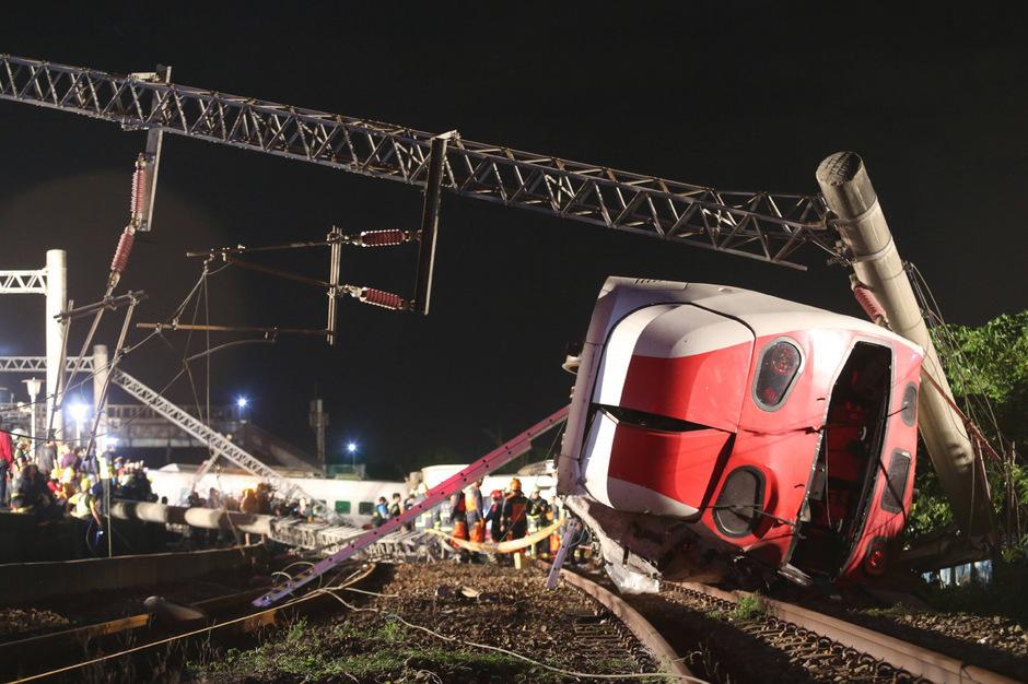 Der Zug war am Sonntag in der östlichen Stadt Suao entgleist.