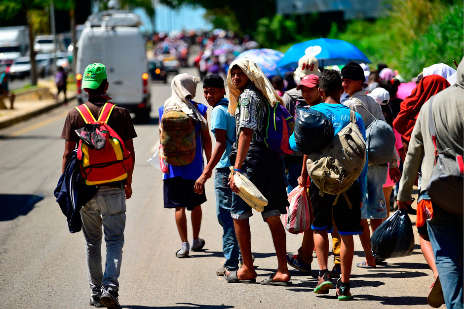 Migranten aus Honduras auf dem Weg in Richtung US-Grenze.