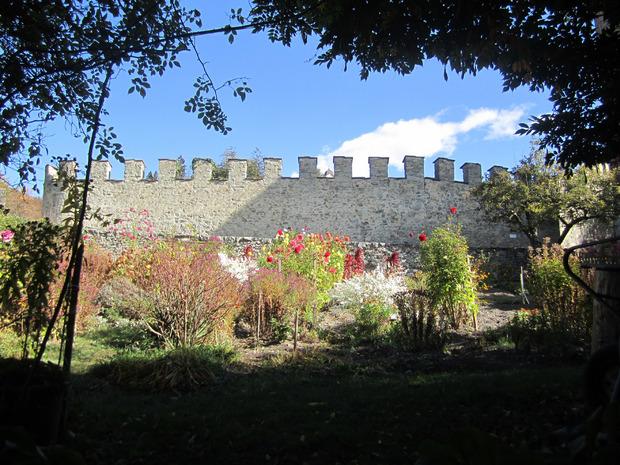 Mitunter erinnert die Anlage an eine Burg.