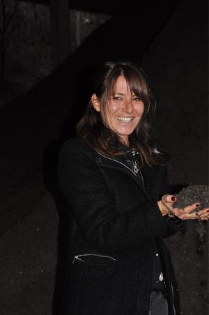 Der geruchslose Trockenkompost kann von Privatpersonen kostenlos abgeholt werden, wie Eva-Maria Weinseisen erklärt.