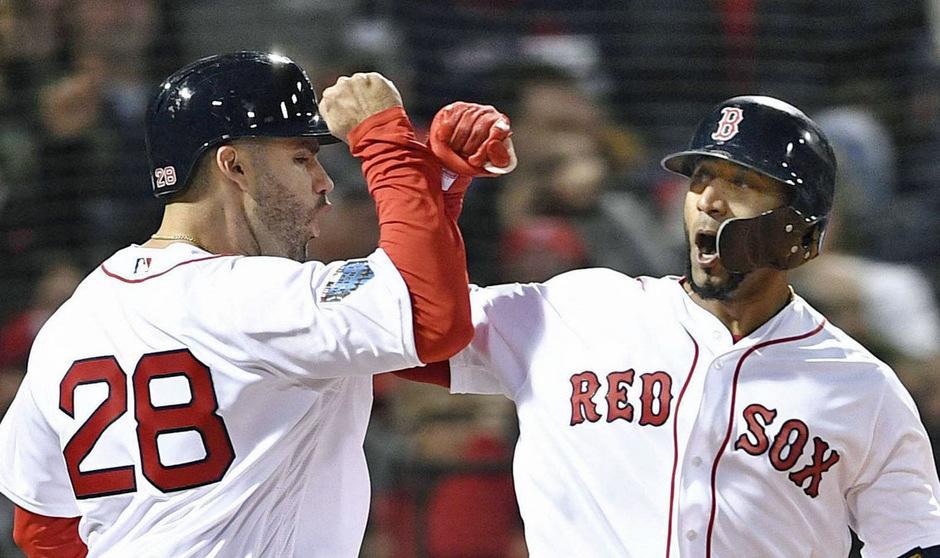 Die Boston Red Sox jubelten auch im zweiten Finalspiel über den Sieg.