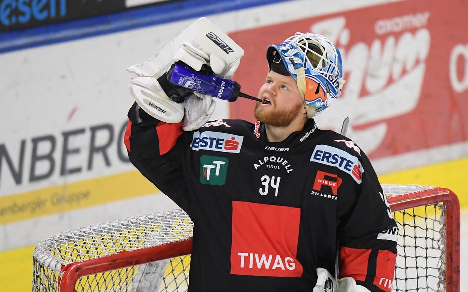 Mund abputzen und weitermachen: Auch der starke Haie-Goalie Janne Juvonen konnte die 3:4-Niederlage in Graz nicht verhindern.