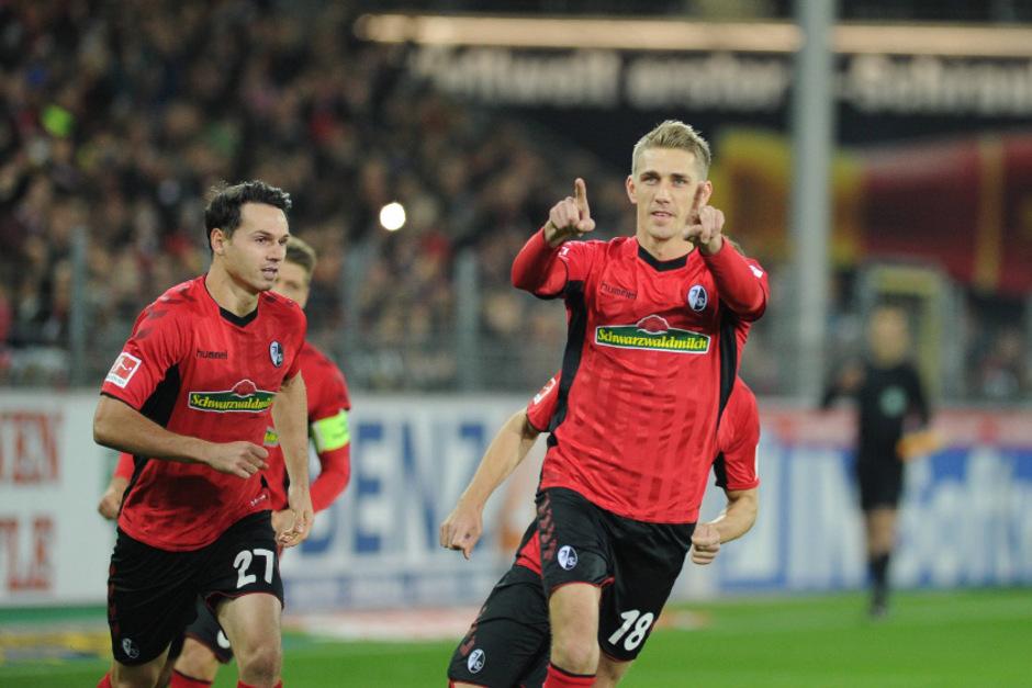 Freiburg jubelt über den Sieg gegen Dortmund-Verfolger Gladbach.