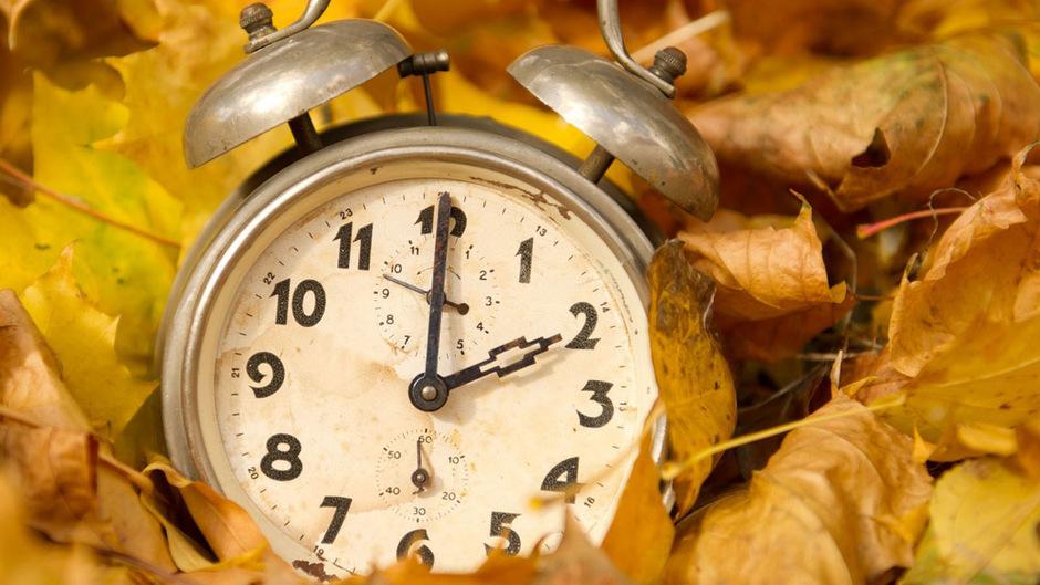 In der Nacht auf Sonntag wird die Uhr von 3 auf 2 Uhr zurückgedreht.