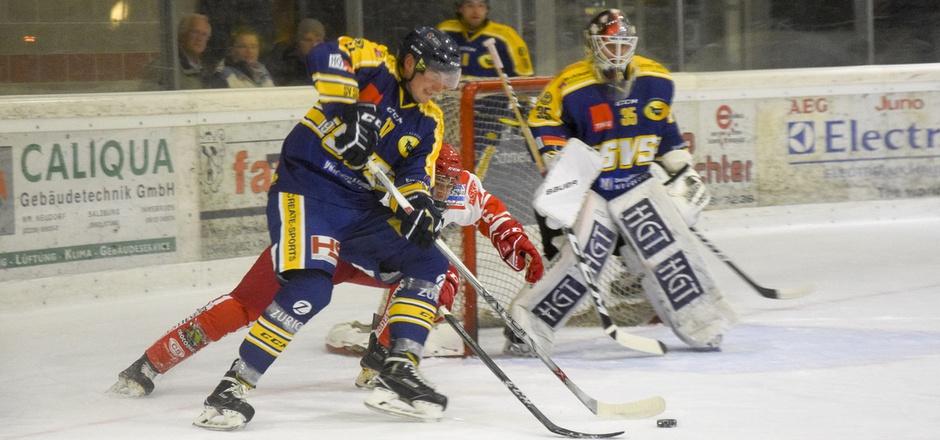 Der Silzer Daniel Kleissl und sein Goalie Marco Repitsch durften jubeln.