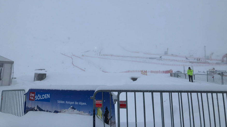 Zu viel Neuschnee in Sölden: Der Herren-Riesentorlauf wurde abgesagt.
