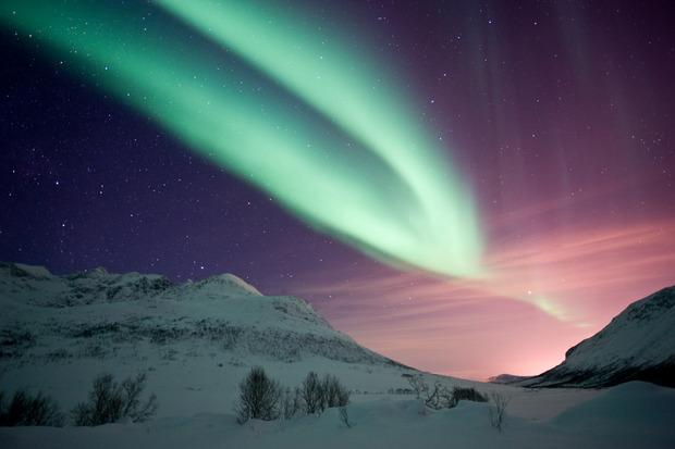 Noch beeindruckender wird es in der Umgebung, wo kein künstliches Licht die Show beeinflusst.