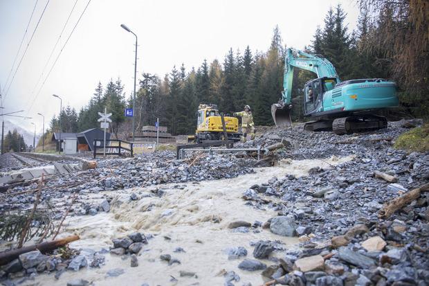 Auch Bahnstrecken sind von dem Unwetter-Ereignis in Mitleidenschaft gezogen worden.