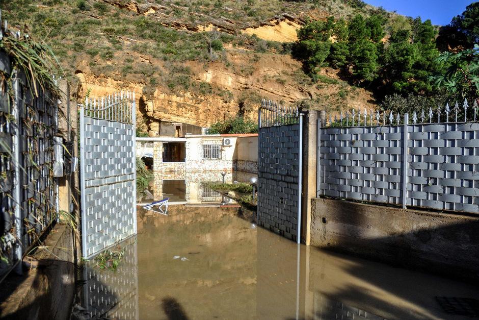 In diesem Haus in Sizilien wurden zwei Familien von den Fluten überrascht. Neun Menschen, darunter drei Kinder starben.