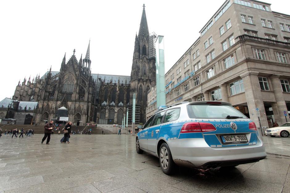Polizei vor dem Kölner Dom. (Symbolfoto)
