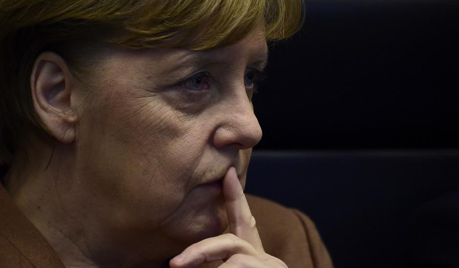 Deutschlands Bundeskanzlerin Angela Merkel will sich in absehbarer Zeit von der CDU-Spitze zurückziehen.