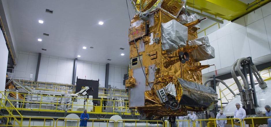 """""""Metop-C"""" wird die Erde 14 Mal pro Tag umrunden und jeden Punkt des Planeten zweimal pro Tag abdecken. Er macht das europäische Wettersatelliten-Trio komplett."""