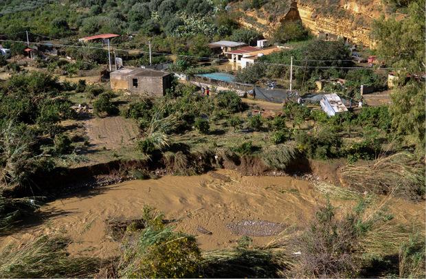 Weite Teile Italiens wurden von Muren und Hochwasser heimgesucht.