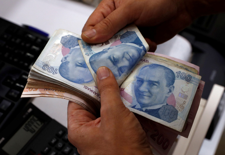 Der Wertverfall der Lira belastet die Türkei.