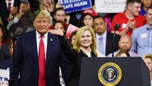 US-Präsident Donald Trump zog für die erzkonservative Marsha Blackburn in den Wahlkampf.