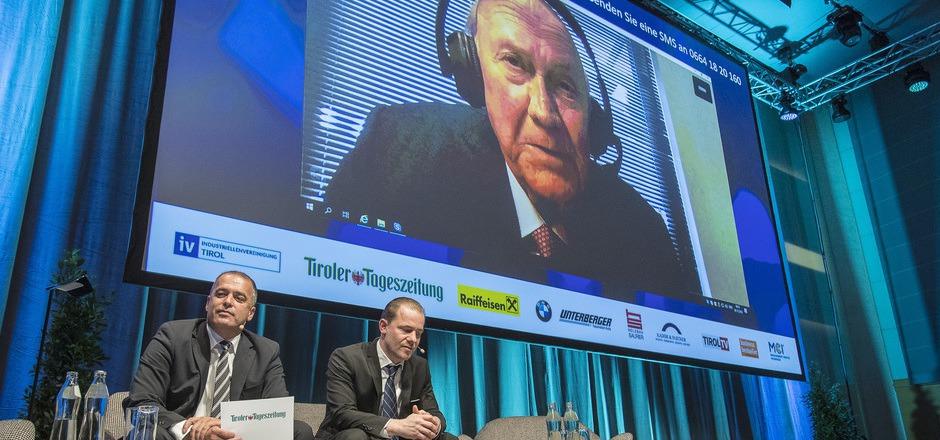 TT-Chefredakteur Alois Vahrner und Außenpolitikchef Floo Weißmann im Skype-Gespräch mit Nobelpreisträger und Ex-Präsident Frederik Willem de Klerk.