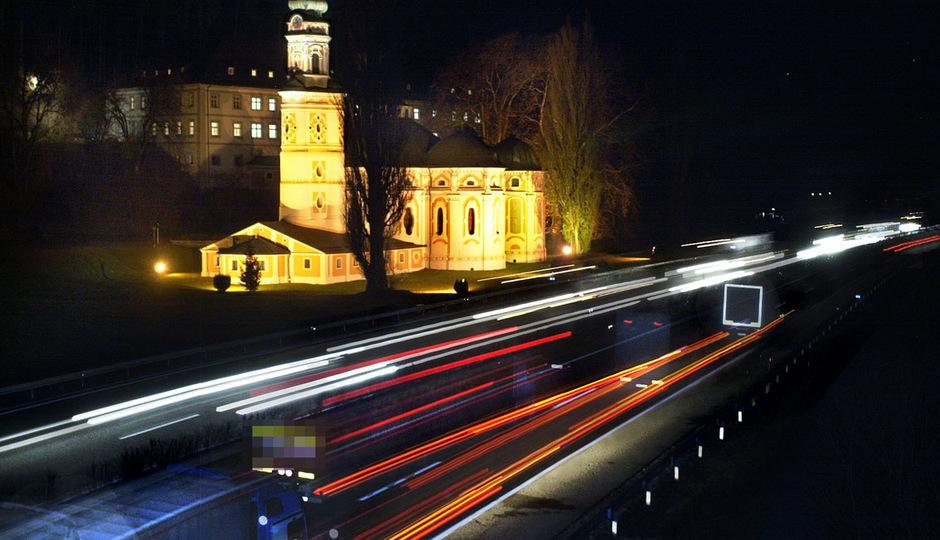 Mit 80 statt 60 Sachen nächtens durch Tirol? Verkehrsminister Hofer macht sich für eine Lkw-Tempoerhöhung auf Autobahnen stark.