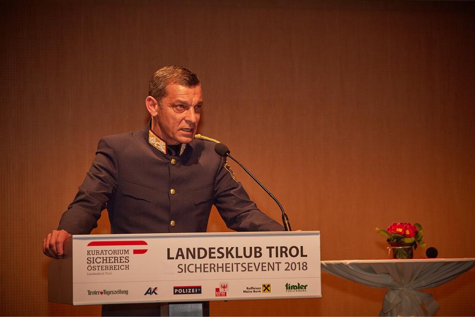 Generalmajor Helmut Tomac ist seit zehn Jahren Kommandant der Tiroler Polizei.