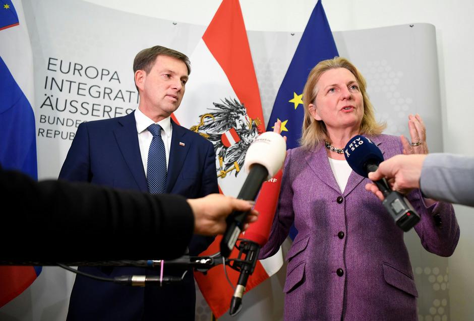Sloweniens Außenminister Miro Cerar und die österreichische Außenministerin Karin Kneissl.