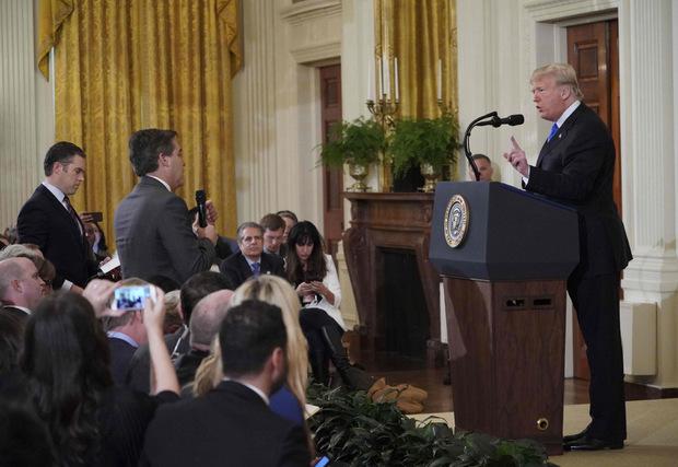 Es ist nicht das erste heftige Wortgefecht, das sich Trump mit dem Reporter Jim Acosta liefert.