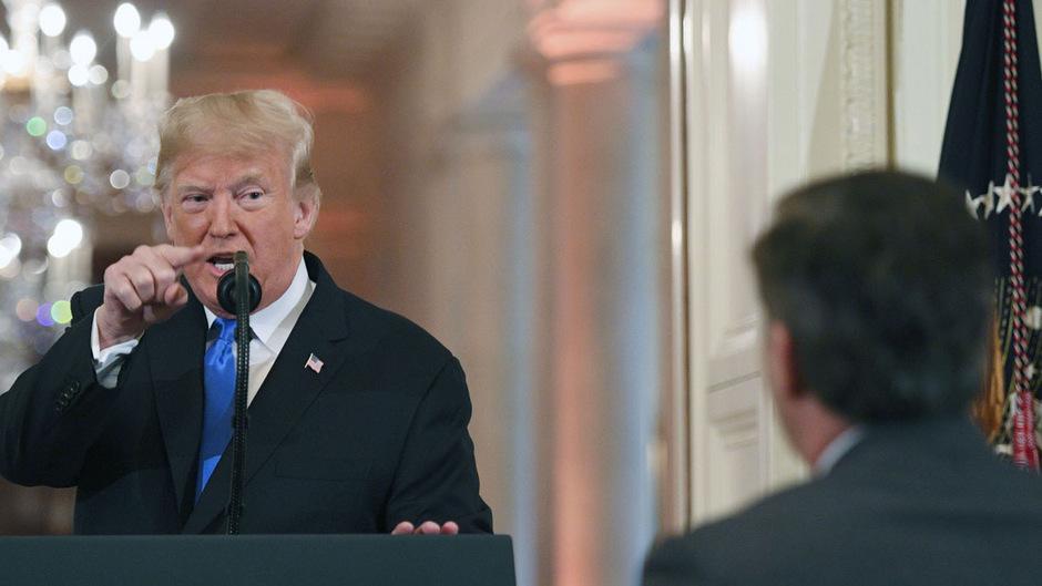 US-Präsident Trump packt bei einer Pressekonferenz die Wut, er streitet mit einem ihm unliebsamen CNN-Reporter.