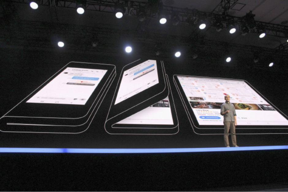 Erst Klappen, dann Wischen - so lautet das zukünftige Motto bei Samsung.