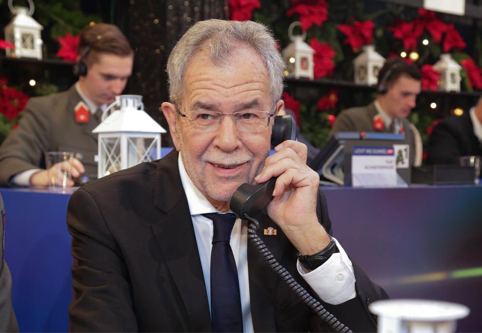 Bundespräsident Alexander van der Bellen nahm vergangenes Jahr die Spendenanrufe entgegen.
