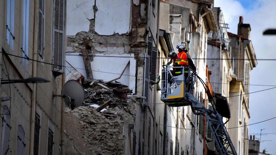 Um die öffentliche Sicherheit zu gewährleisten, mussten zwei Nachbarhäuse abgerissen werden.