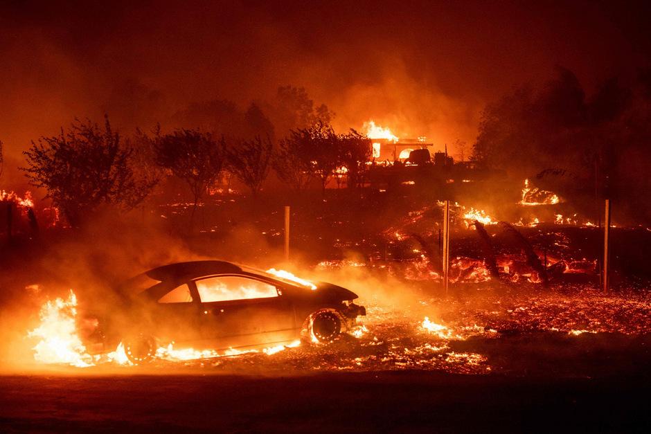 Das Buschfeuer breitete sich am Donnerstag im Norden Kaliforniens sehr rasch aus.