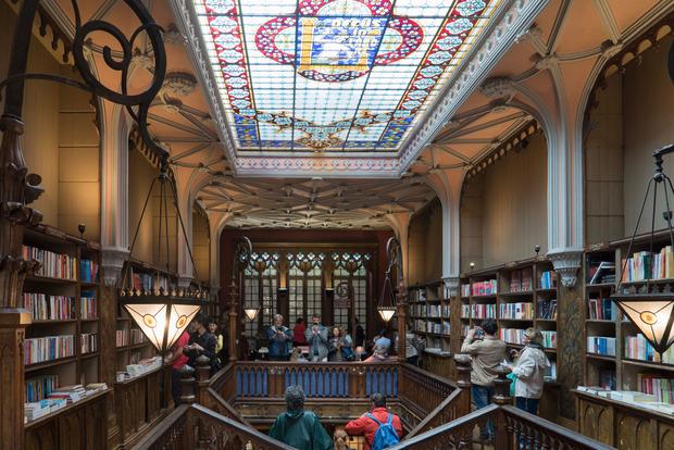 Die historische Buchhandlung ist ein gefundenes Fressen für Bücherwürmer.