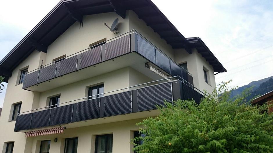 Auch nachträglich lässt sich Photovoltaik ortsbildverträglich installieren.