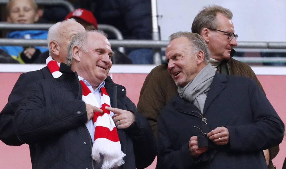 Uli Hoeneß und Karl-Heinz Rummenigge werden wohl noch ein paar Jahre die Geschicke beim FC Bayern leiten. Der Präsident sucht allerdings bereits nach einem Nachfolger.