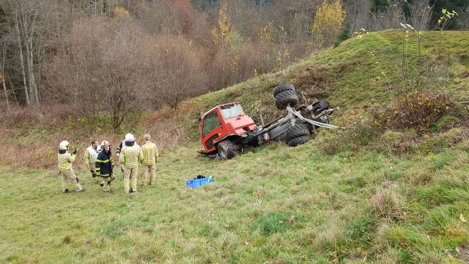 Einsatzkräfte am Unfallort in Hopfgarten.
