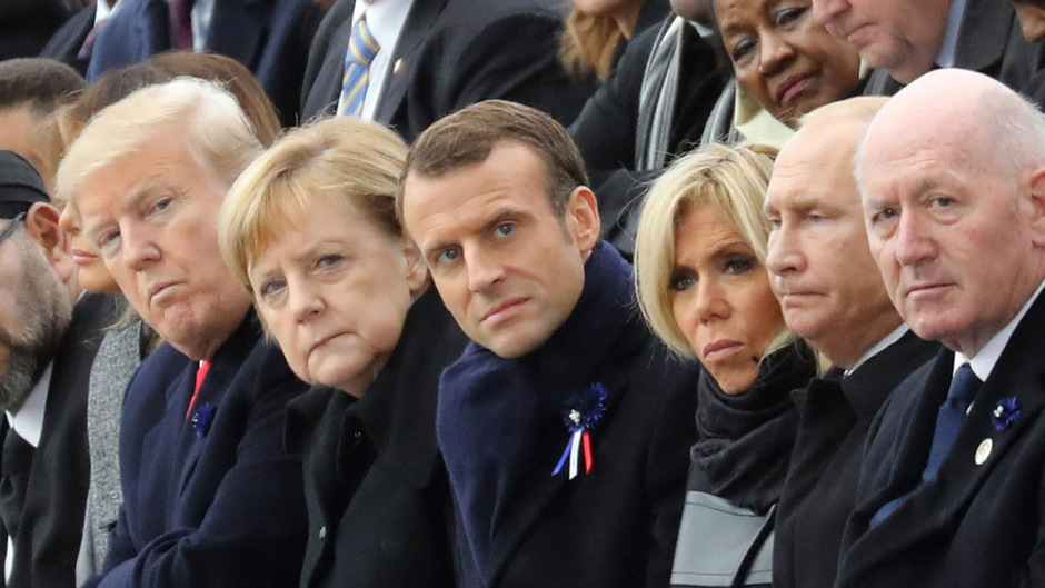 US-Präsident Trump, Bundeskanzlerin Merkel und Frankreichs Präsident Macron gedenken in Paris der Toten des Ersten Weltkriegs. Auch der russische Staatschef Wladimir Putin wohnte der Gedenkfeier bei.