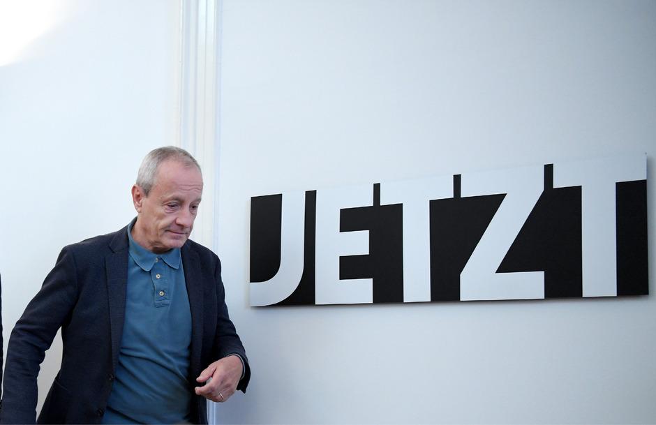 """Peter Pilz lehnt der von ihm gegründeten Liste nicht mehr den Namen. Der Parlamentsklub  heißt nun """"Jetzt""""."""