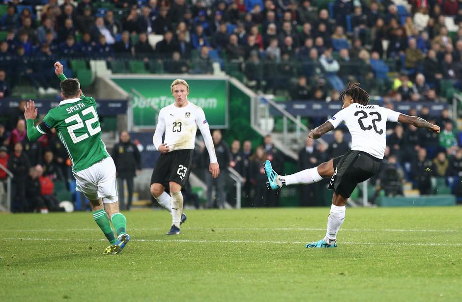 Lazaro (r.) und Schlager (M.) sorgten mit ihren Treffern für den 2:1-Sieg in Belfast.