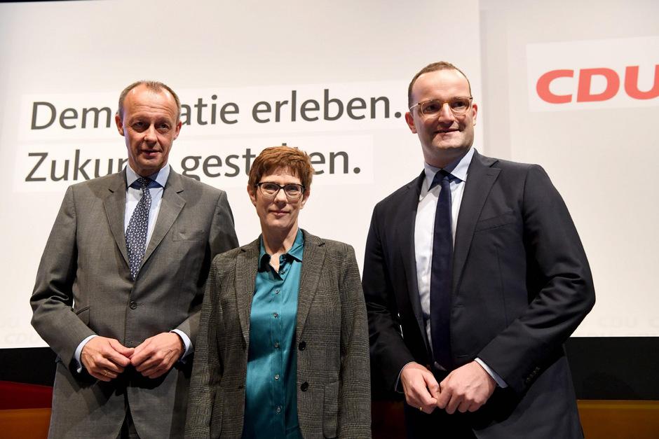 Annegret Kramp-Karrenbauer (Mitte) neben Friedrich Merz (l.) und Jens Spahn (r.).