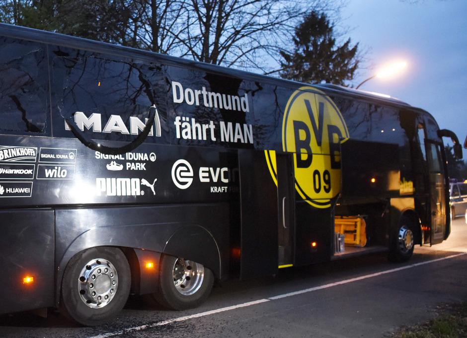 Am 11. April 2017 wurde BVB-Spieler Marc Bartra bei einem Anschlag auf den Mannschaftsbus schwer verletzt.