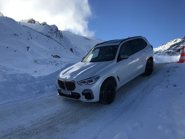 ... oder per Bergabfahrassistent durch steilste Schneewege.