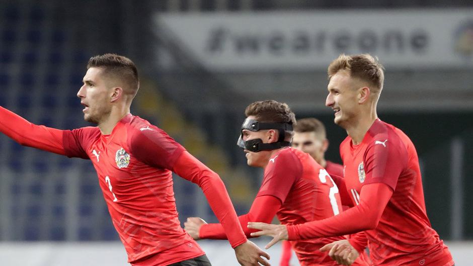 Torschütze Adrian Grbic, Sandro Ingolitsch und Stefan Posch jubelten nach dem entscheidenden Treffer.