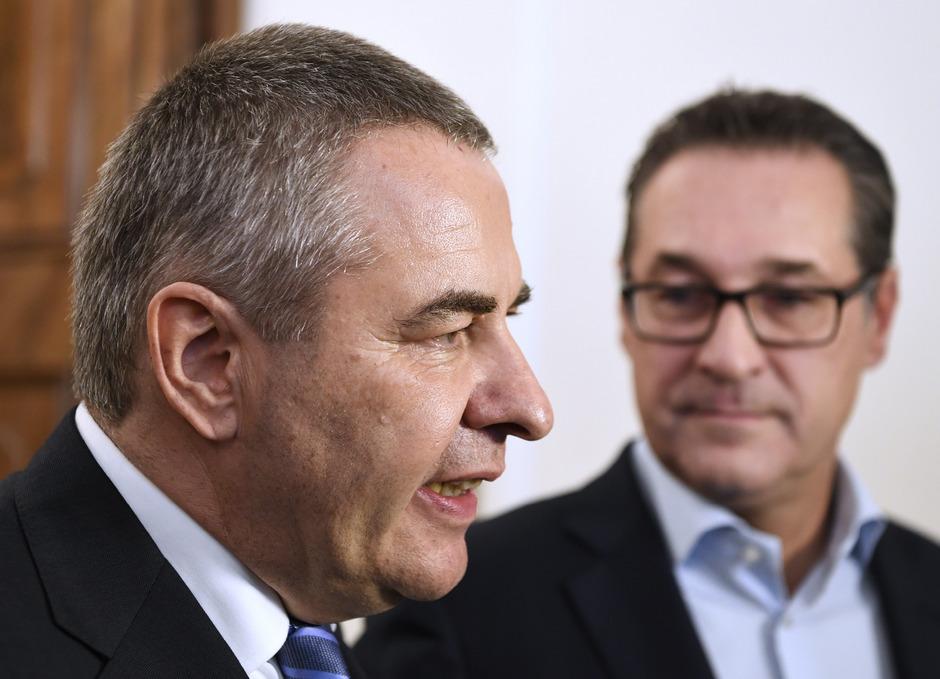 GöD-Vorsitzender Norbert Schnedl (l.) und Vizekanzler Heinz-Christian Strache (FPÖ).