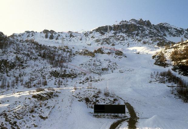 """Für die Abfahrtsstrecke in Albertville (FRA/Winterspiele 1992) mussten Angaben zufolge 40.000 Kubikmeter Fels vom """"Bellevarde"""" bewegt werden. Die Veranstaltung ist nicht zuletzt aufgrund der Bobbahn mit einem langen Register an Umweltsünden versehen."""