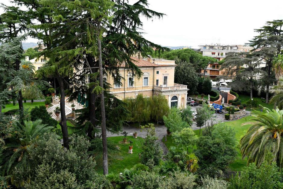 Bei Bauarbeiten in dieser Vatikan-Residenz in Rom wurden die Knochen gefunden.